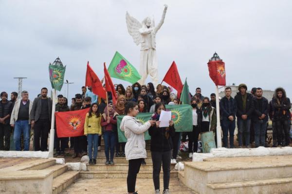 Kobanêli gençler PKK'nin kuruluş yıldönümünü kutladı