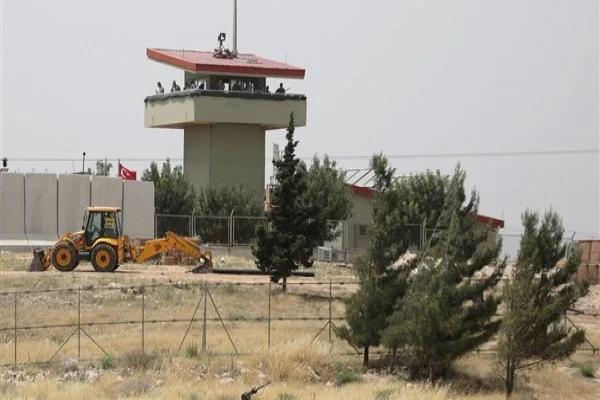 İşgalci Türk Ordusu Suriye'de yeni askeri nokta inşa ediyor