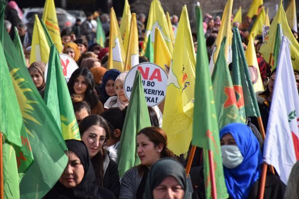 Alanlara çıkan halk: Osmanlı hayallerini boşa çıkaracağız